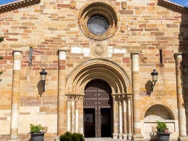Iglesia de san Juan del Mercado - Lugares y cosas que ver en Benavente - Ilutravel.com