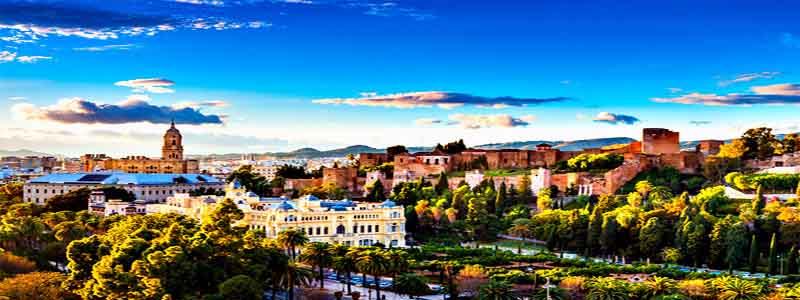 Foto apaisada de Málaga con vistas a la CAtedral - Todo lo qué ver en Málaga capital en 3 días - Ilutravel.com