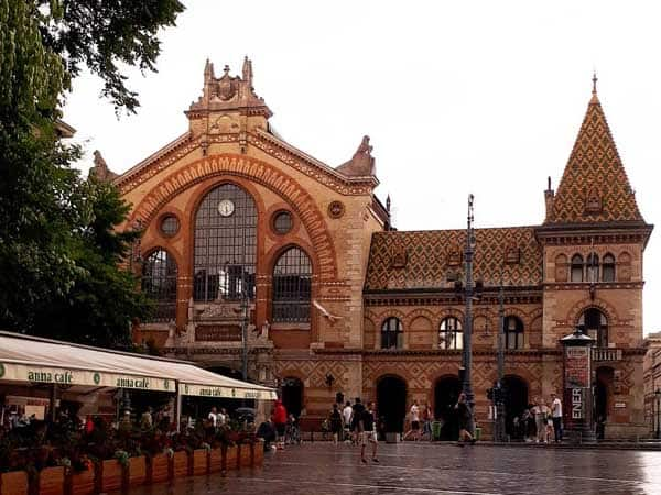 Mercado Central Budapest - Sitios para ver de viaje en Budapest - Ilutravel.com