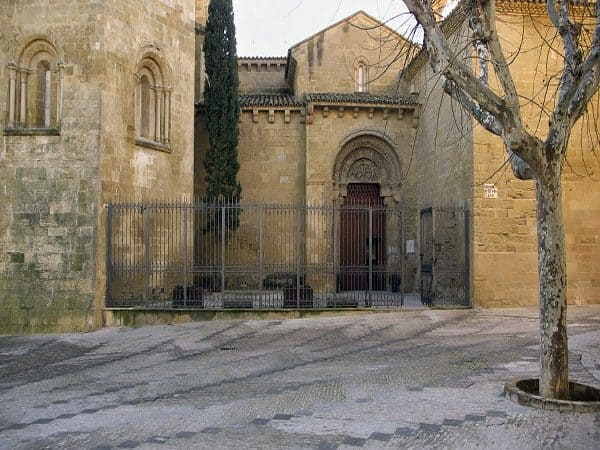 Monasterio de San Pedro el Viejo Huesca que ver - Ilutravel.com