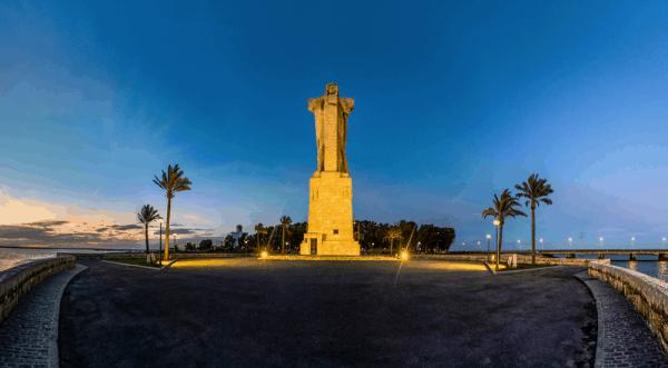 Monumento a Cristobal Colón de Huelva - lugar que visitar de turismo por Huelva - Ilutravel.com