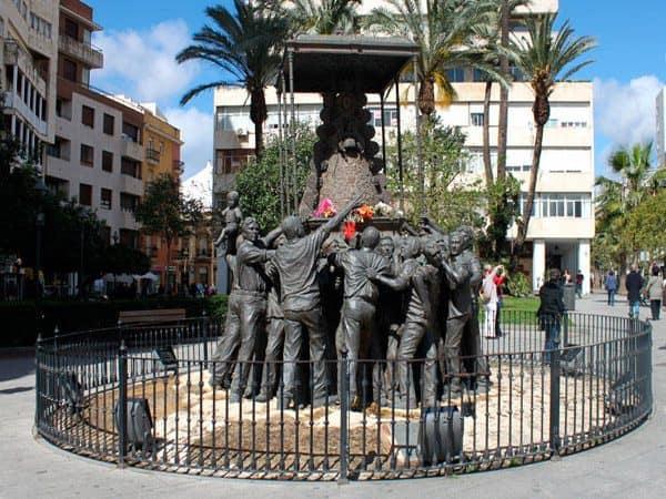 Monumento a la Virgen del Rocío de Huelva - sitios que visitar en Huelva - Ilutravel.com