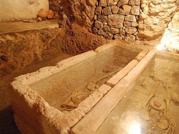 Museo Necropolis de Puig des Molins de Ibiza - Que hacer en Ibiza - Ilutravel.com