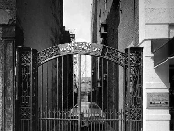 New York Marble Cemetery - Puntos de interés turísticos de Nueva York - Ilutravel.com
