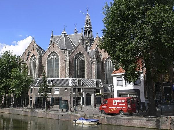 Oude Kerk Amsterdam - Visitar Ámsterdam ruta de 3 días - Ilutravel.com