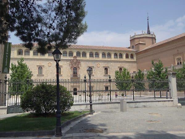 Palacio Arzobispal de Alcalá de Henares - Visitar en un día Alcalá de Henares - Ilutravel.com