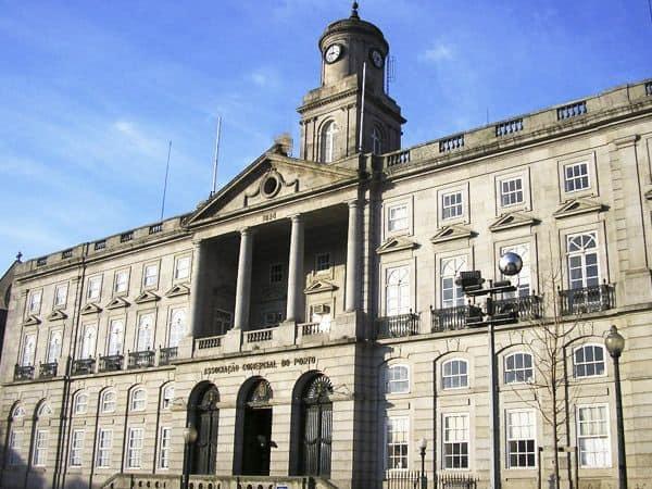 Palacio de la Bolsa Oporto - Sitios que ver en Oporto haciendo turismo - Ilutravel.com
