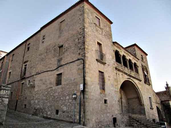 Palacio de los Orellana-Pizarro de Trujillo - Todo lo que hacer de viaje en Trujillo - Ilutravel.com
