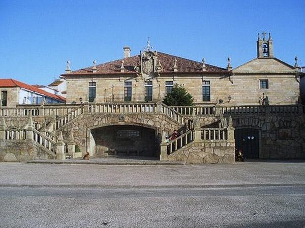 Pazo de Montesacro y Capilla de la Valvanera- Visitar Cambados - Ilutravel.com