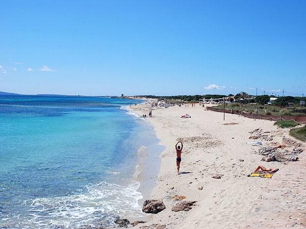 Playa Es Cavallet de Ibiza - que ver en Ibiza -Ilutravel.com
