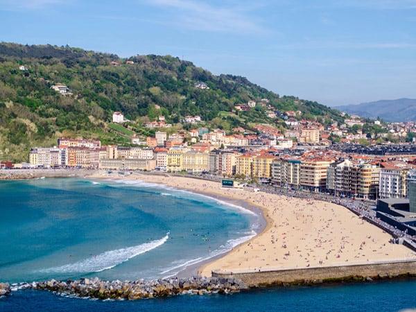 Playa Zurriola de San Sebastián - Visitar San Sebastián en dos días - Ilutravel.com