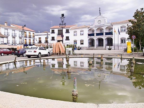 Plaza Espana Hinojosa Duque