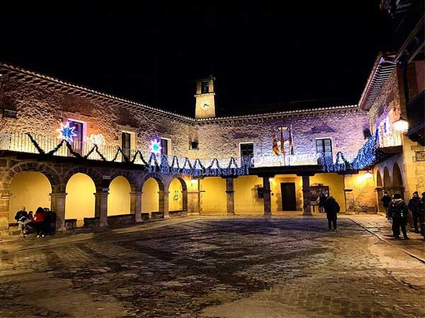 Plaza Mayor Albarracin - Turismo en Albarracín. sitios de interés - Ilutravel.com