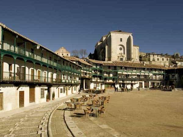Plaza Mayor Chinchon - Ver Chinchón en un día - Ilutravel.com
