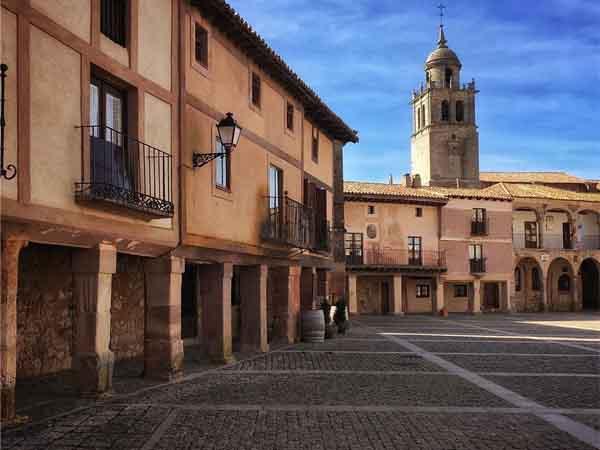 Plaza Mayor Medinaceli - Qué ver en un día por Medinaceli - Ilutravel.com