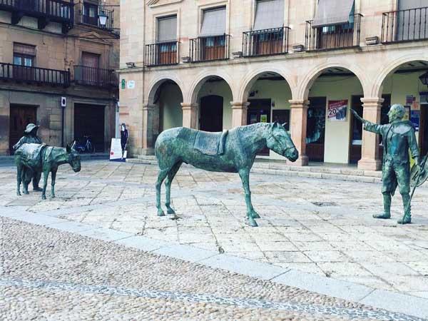 Plaza Mayor Villanueva los Infantes - Lugares de interés para visitar en Villanueva de los Infantes - Ilutravel.com