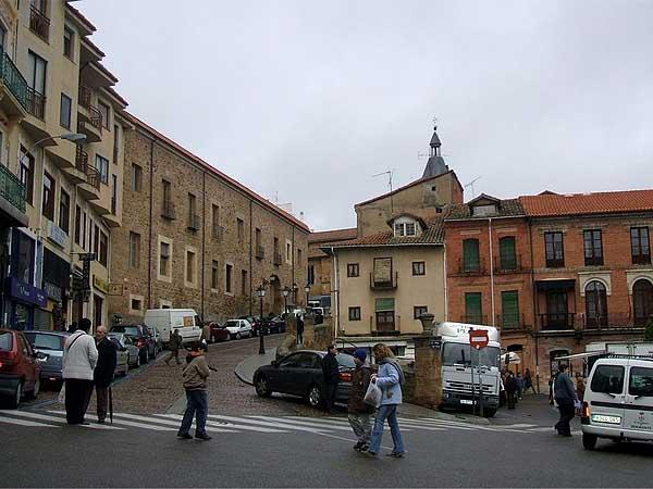 Plaza de la Madera de Benavente - Sitios de interés que ver en Benavente un día - Ilutravel.com