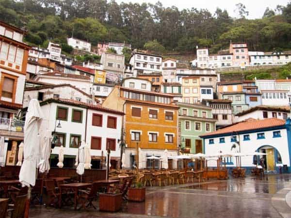 Plaza de la Marina Cudillero - Sitios que visitar en Cudillero - Ilutravel.com