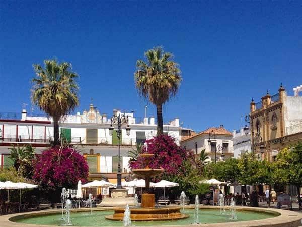 Plaza del Cabildo Sanlucar - Sitios de turismo de Sanlúcar de Barrameda - Ilutravel.com