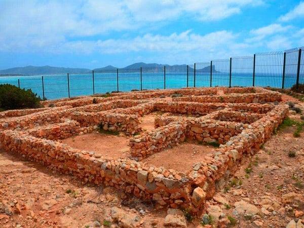 Poblado Fenicio de Sa Caleta - Turismo en IBiza todo lo que puedes ver - Ilutravel.com