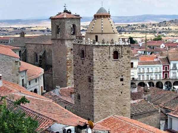 Torre del Alfiler Trujillo de Trujillo - Sitios de interés para ver en Trujillo - Ilutravel.com