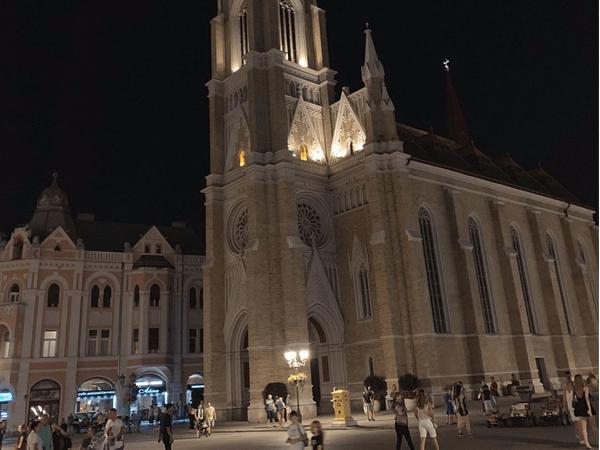 Trg Slobode de Novi Sad - Sitios de interés que ver en Novi Sad - Ilutravel.com