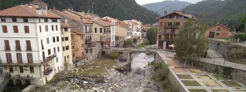 Calles de Camprodon - Visitar Beget haciendo turismo - Ilutravel.com