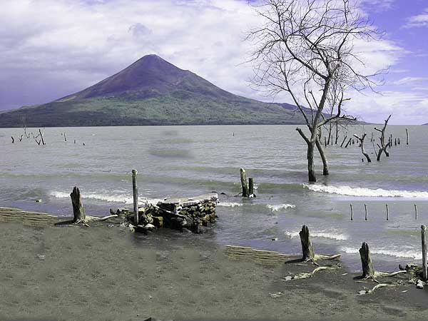 lago xolotlan managua - Turismo por Managua la mejor ruta - Ilutravel.com