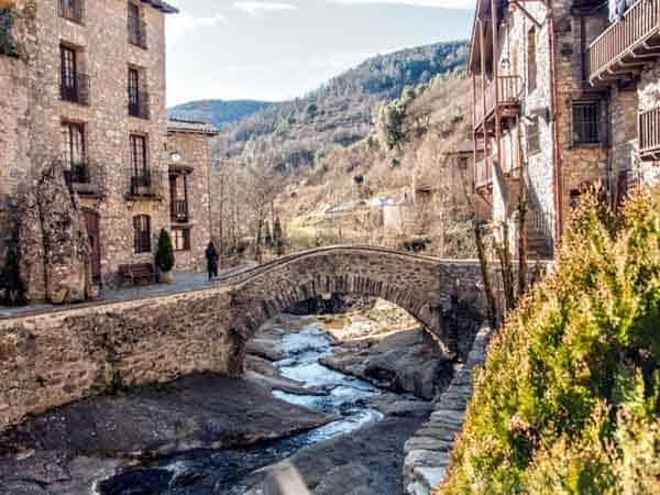 Puentes del Río de Beget - Qué ver en Beget - Ilutravel.com